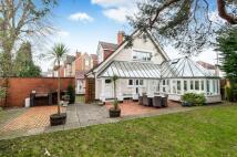 4 bedroom Detached house in Surbiton, Surrey...