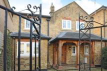 4 bedroom Detached home in Surbiton