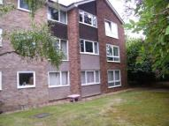 2 bedroom Flat for sale in Hampton Hill, Hampton