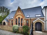 4 bed new property for sale in Teddington
