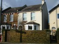 3 bed property for sale in Teddington