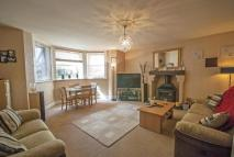 Flat for sale in Dry Hill Park Road...