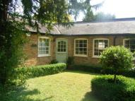 1 bed property in Hanworth Park, Twickenham