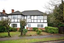 5 bed Detached property in Hersham...