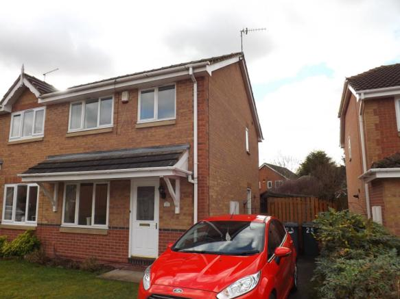 3 Bedroom Semi Detached House For Sale In Syon Park Close West