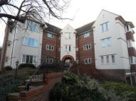 Flat in Pyrford, Surrey