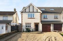 4 bedroom semi detached home in Croydon