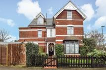 6 bed semi detached home in Grosvenor Road...