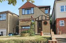 3 bedroom house in Greenview Avenue, Croydon