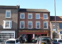 2 bed Flat in High Street, Yarm...