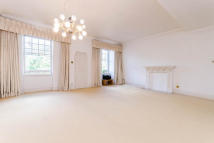4 bedroom Flat to rent in Sloane Gardens, SW1W