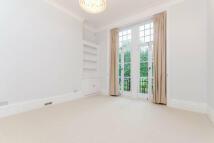 3 bedroom Flat in Burton Court, SW3