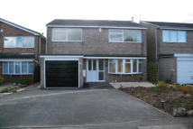 Detached house in Leslie Close...