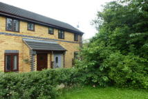 2 bedroom semi detached house to rent in Silverburn Drive...