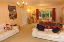 Beaconsfield Rd Detached Bungalow to rent