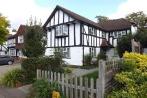 4 bed Detached home in Epsom