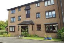 2 bed Flat in Burnfield Gardens...
