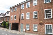 Apartment to rent in Martyr Road, Guildford...