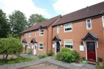 2 bedroom house in Badger Close, Guildford...