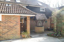 3 bed semi detached property to rent in Slinfold
