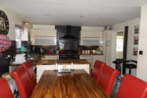 4 bed property in Masefield...