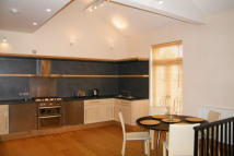 2 bedroom Apartment to rent in South Parade...