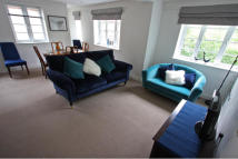 2 bed Apartment in Enfield House...