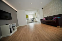 5 bed house in Dallas Street, Preston...