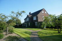4 bed Cottage in Manor Road, Reigate