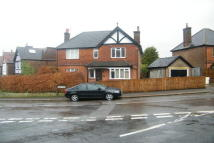 4 bed home to rent in Chart Lane, Reigate