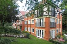 3 bedroom Apartment in Wray Common Road