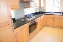2 bedroom Apartment to rent in Central Reigate
