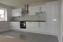 2 bed Flat in Whippendell Road...