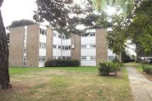 Flat to rent in Kenilworth Court, WD17