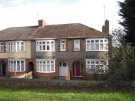 Terraced home to rent in Finedon Road...