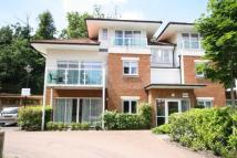 2 bedroom Flat in Hill View, RH4