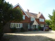 6 bedroom Detached house in Russells Crescent, RH6