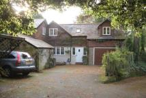 4 bedroom Detached home in Reigate Road, RH2