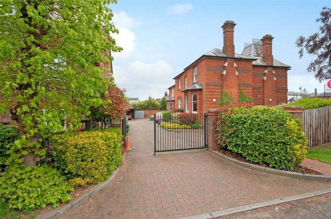2 bedroom apartment for sale in Westfield Gardens Dorking Surrey