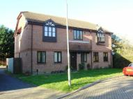 Flat to rent in Parkhurst Grove, RH6