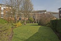 Apartment in Barnfield Place...