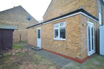 Flat for sale in Freehold Land