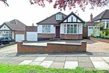 Detached Bungalow for sale in Northwood