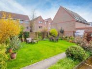 Flat to rent in Hobson Court...