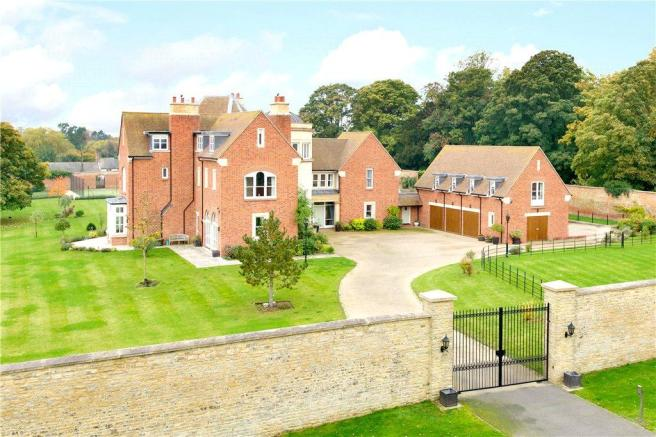 7 bedroom detached house for sale in high street weston for Underwood house for sale
