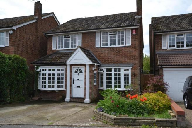 4 Bedroom Detached House For Sale In Suffolk Close London Colney St Albans Al2