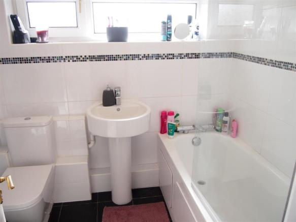 BATHROOM AND W/C: