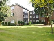 2 bedroom Flat in The Dell, Sandpit Lane...