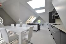 3 bedroom Penthouse to rent in Tavern Lodge, LONG LANE...