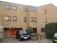 Flat to rent in Lawn Road, Uxbridge, UB8